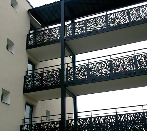 protection de balcon cheminement sur passerelle. Black Bedroom Furniture Sets. Home Design Ideas